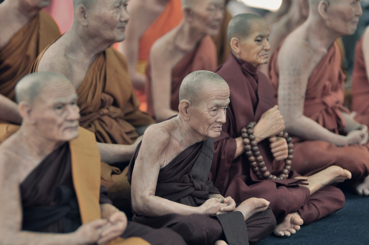 monks-691514_1280