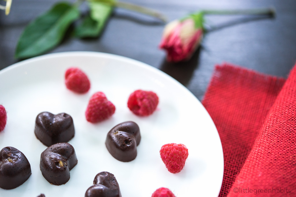 Raw Vegan Chocolate Hearts-04404